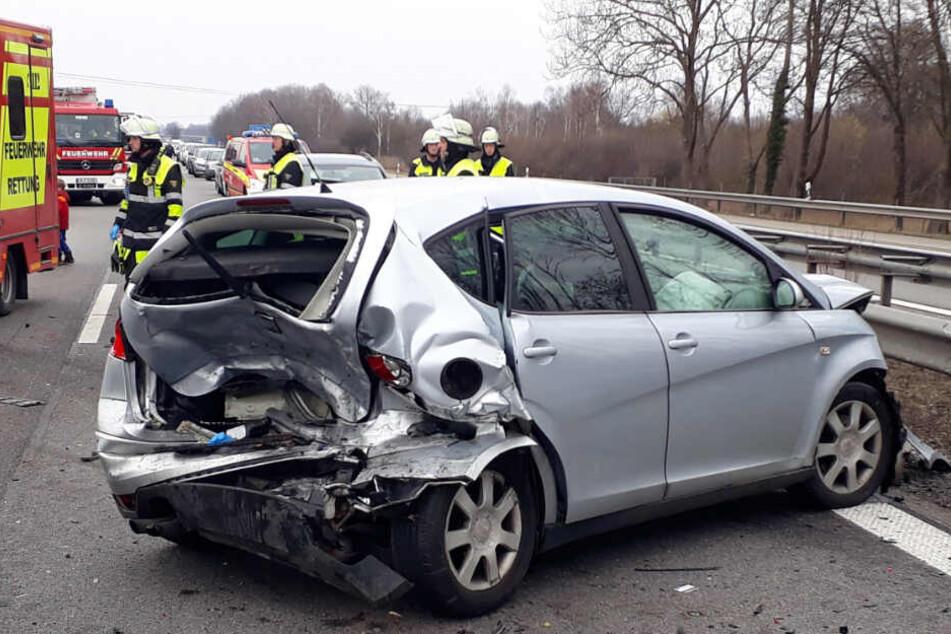 Der 23-jährige VW-Fahrer starb noch am Unfallort.