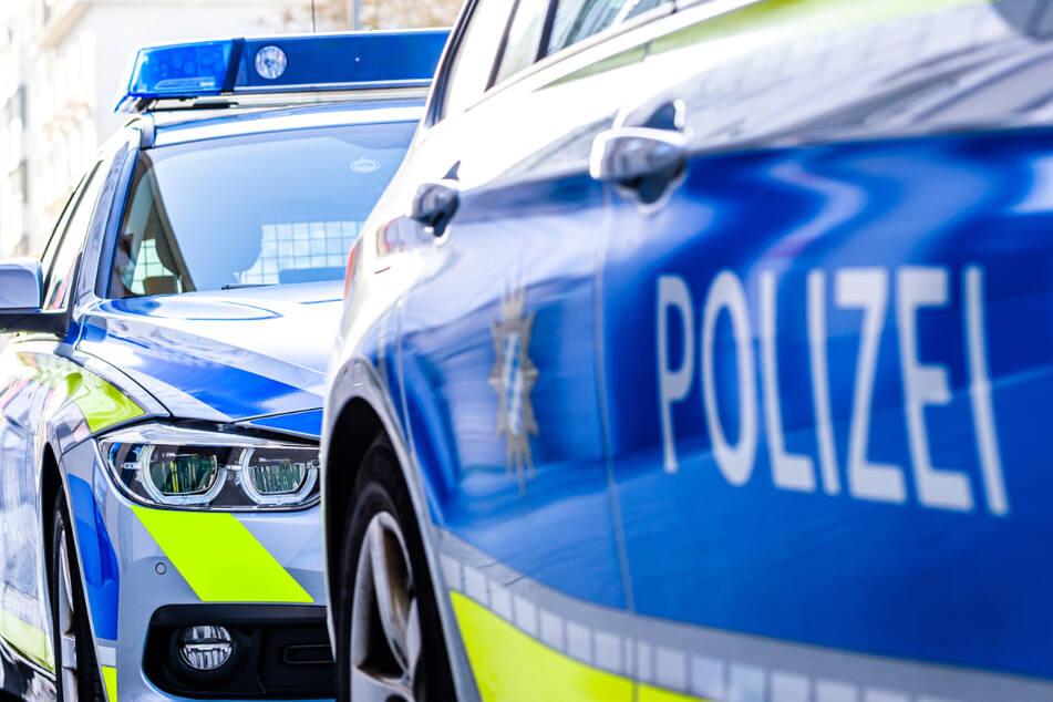 Die Polizei entdeckte in einem Auto Marihuana und eine unbekannte Anzahl verschreibungspflichtiger Medikamente (Symbolbild).