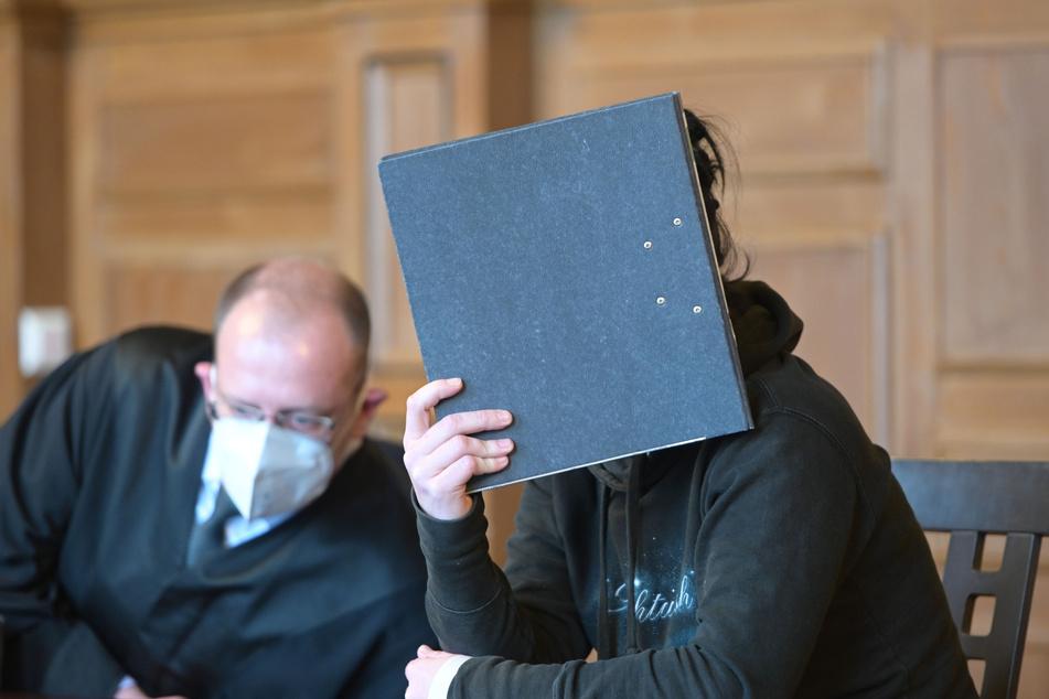 Prozess zum Tod eines Babys in Plauen: Angeklagte Mutter bestreitet Lebendgeburt