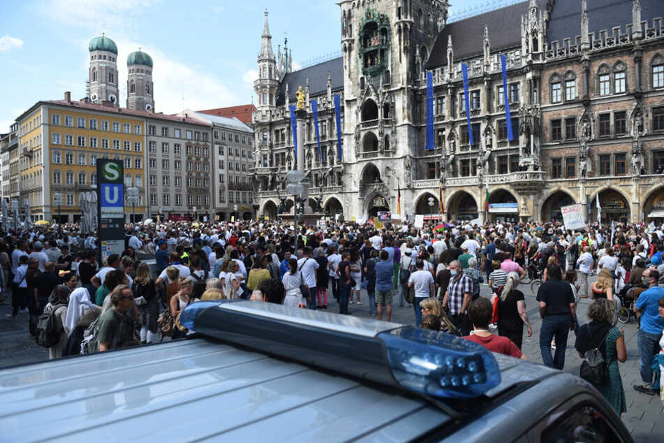 Rund 70 Demos gegen Anti-Corona-Maßnahmen in Bayern