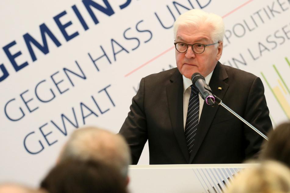 """Bundespräsident Steinmeier in Zwickau: """"Deutschland hat ein massives Problem mit Hass und Gewalt"""""""