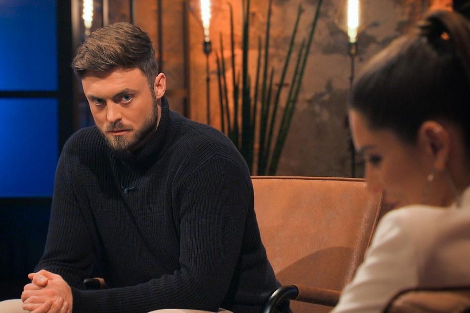 """""""Bachelor"""" Niko Griesert (30) wollte beim großen Wiedersehen nicht offenbaren, ob er mit Michèle de Roose (27) zusammen ist..."""