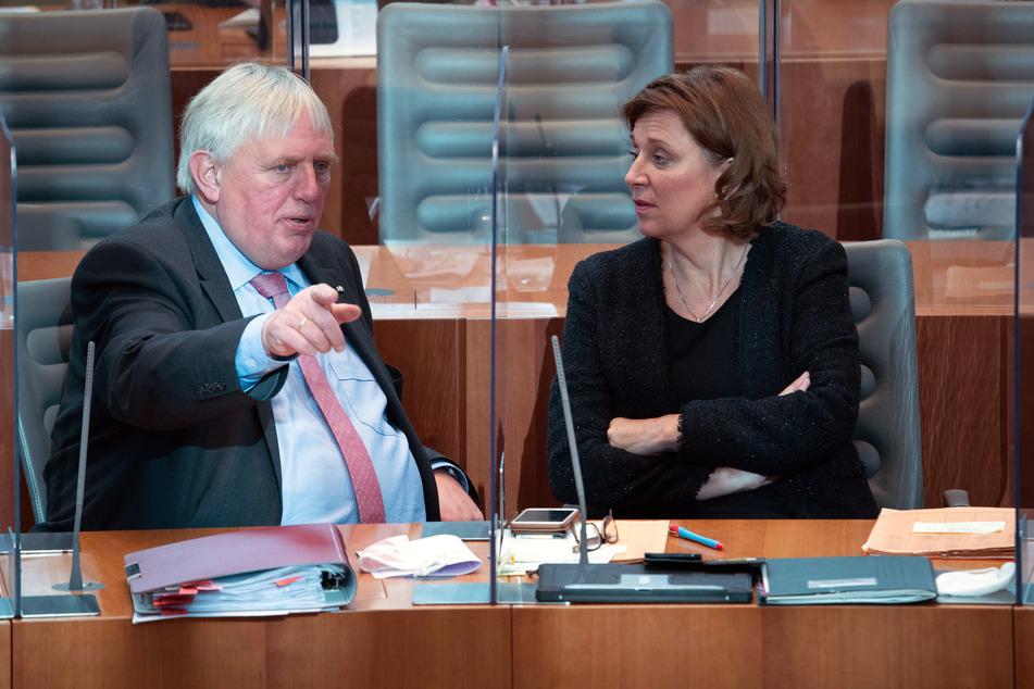 NRW-Gesundheitsminister: Corona-Impfung wird große Herausforderung