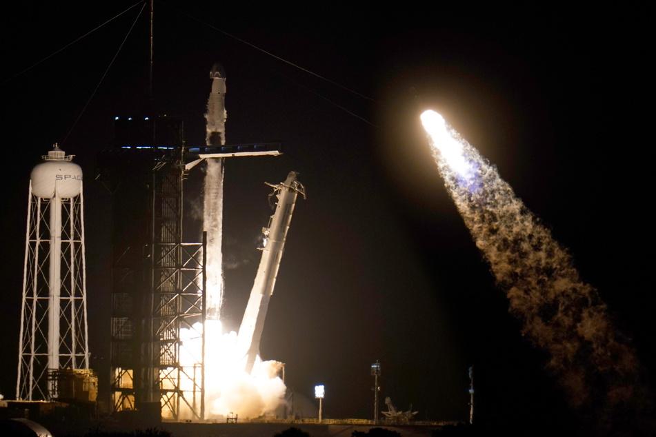 SpaceX-Rakete stößt auf dem Weg zur ISS fast mit einem UFO zusammen