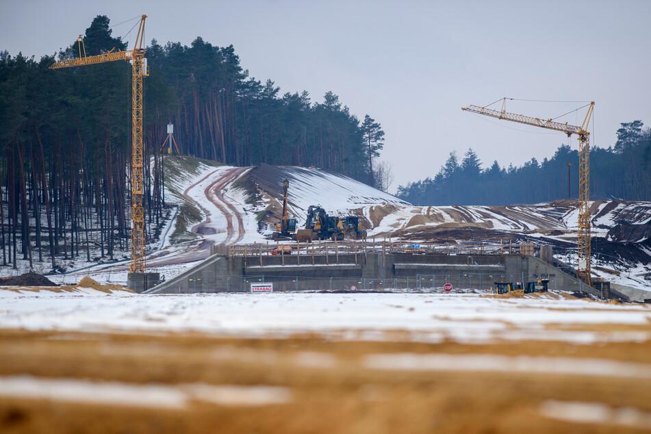 Die Arbeiten ruhen auf der Baustelle an der Autobahn 14.