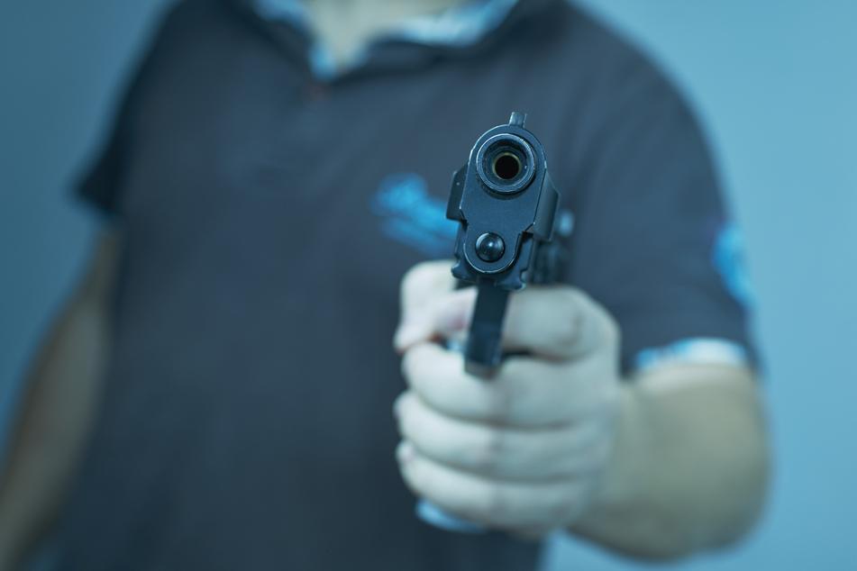 Er vermutete Automatendiebe: 45-Jähriger bedroht Männer mit Schreckschusswaffe