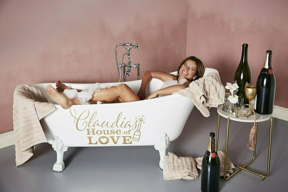 """Die Luxus-Lady lädt ihre Verehrer ab dem 7. Januar ins """"House of Love"""" ein."""