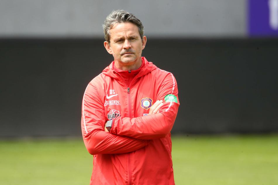 FCE-Trainer Dirk Schuster sieht sein Team gut gerüstet für den Re-Start, weiß aber dennoch nicht so richtig, was auf ihn zukommt.