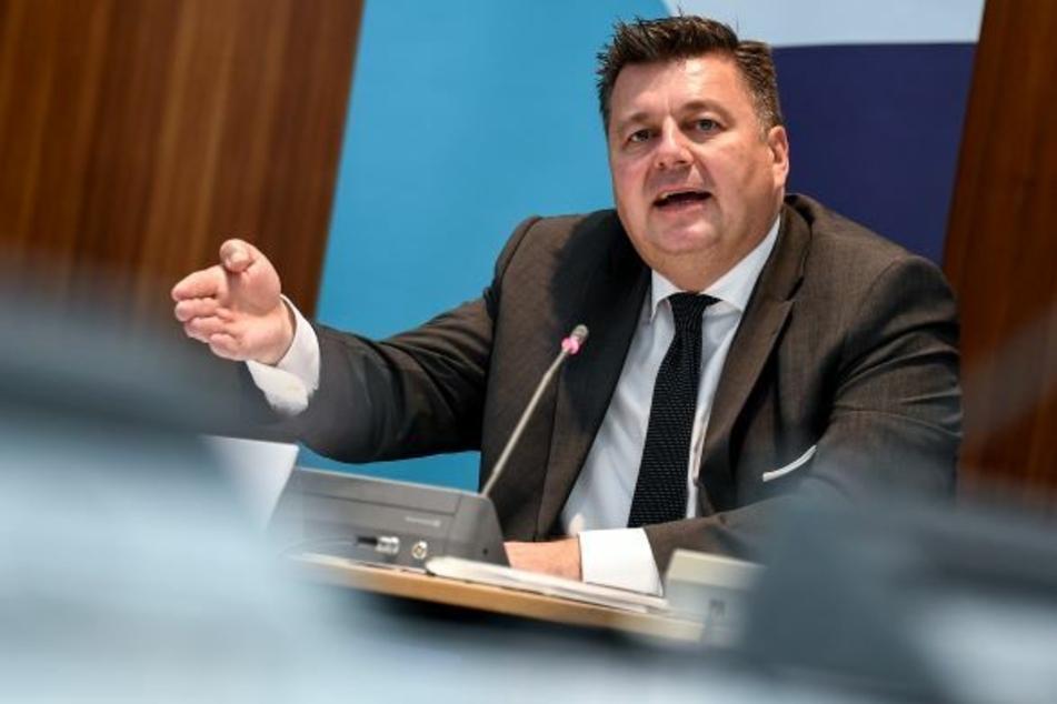 Innensenator Andreas Geisel (54, SPD) wird den Entwurf am Dienstag in den Senat einbringen.