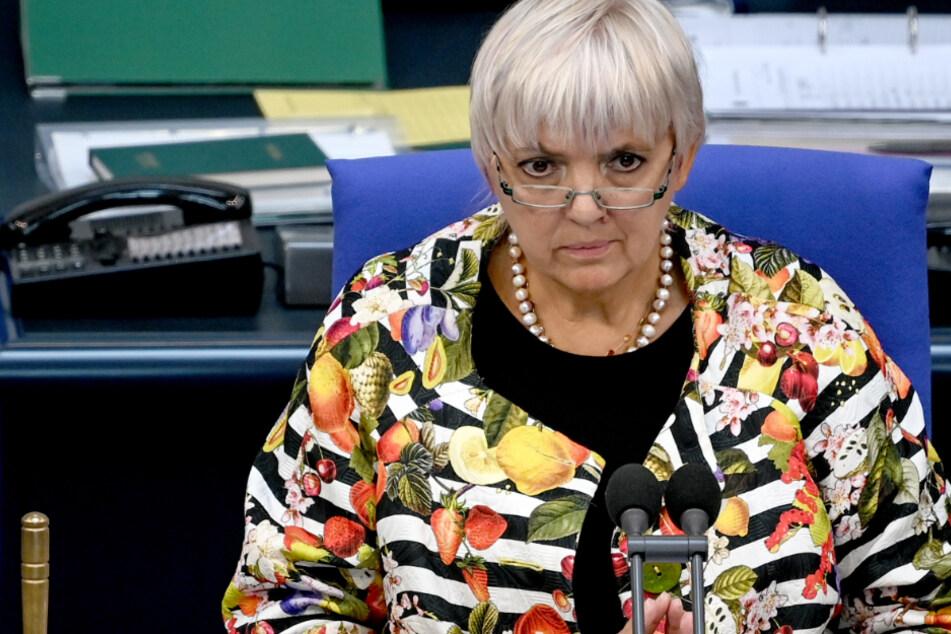 "Claudia Roth bescheinigt Horst Seehofer ""Totalversagen"" in Moria-Krise"