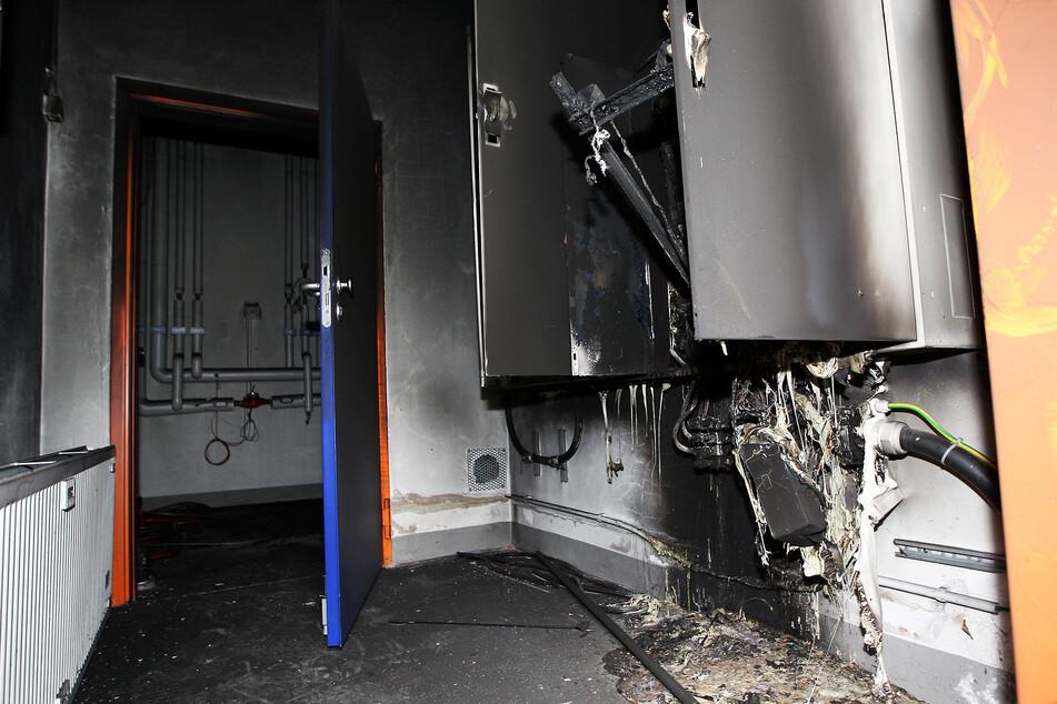 Der Stromkasten scheint den Brand ersten Erkenntnissen nach ausgelöst zu haben.