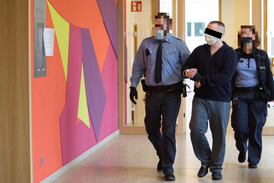 32-Jähriger wegen Ohrfeige für AfD-Landesvize zu sechs Monaten Haft verurteilt