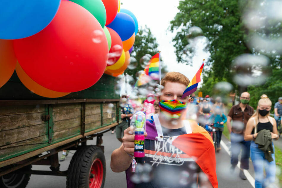 Schwule und Lesben gingen in der ersten grenzüberschreitenden LGBT-Demonstration auf die Straße, um auf die Diskriminierung von Schwulen und Lesben in Polen aufmerksam zu machen. (Symbolfoto)
