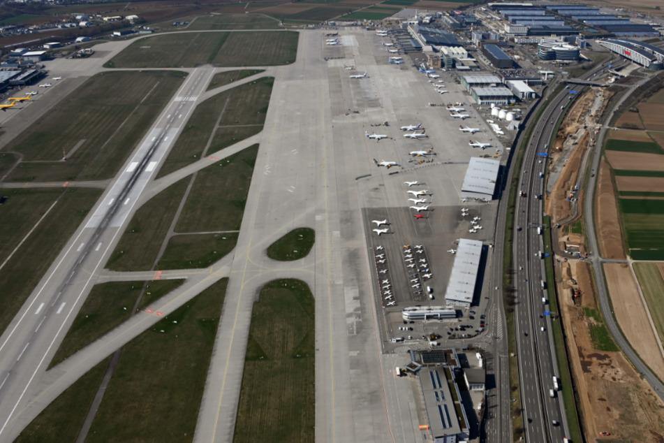 Flughafen Stuttgart nimmt Betrieb wieder auf