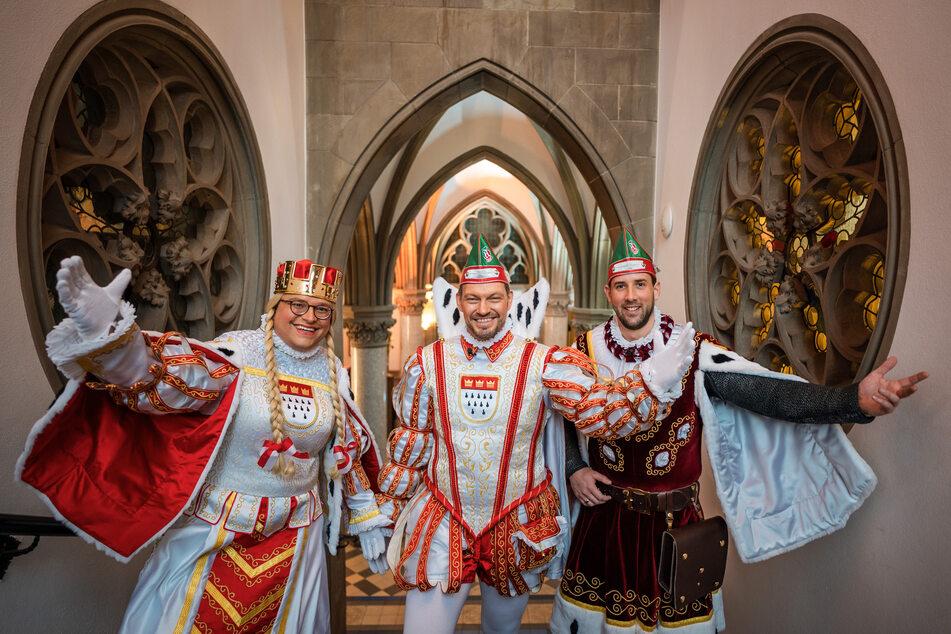 Das Kölner Dreigestirn v.l.n.r: Jungfrau Gerdemie (Björn Braun), Prinz Sven I. (Sven Oleff) und Bauer Gereon (Gereon Glasemacher).