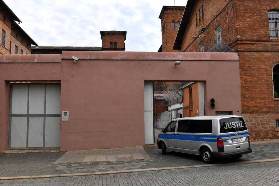 Kugelschreiber in Hals gerammt: Urteil zur brutalen Knast-Attacke gefallen