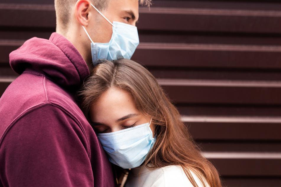 Lockeres Dating mit Leuten, die man in einer App aufgegabelt hat - wie soll das in einer Pandemie funktionieren?