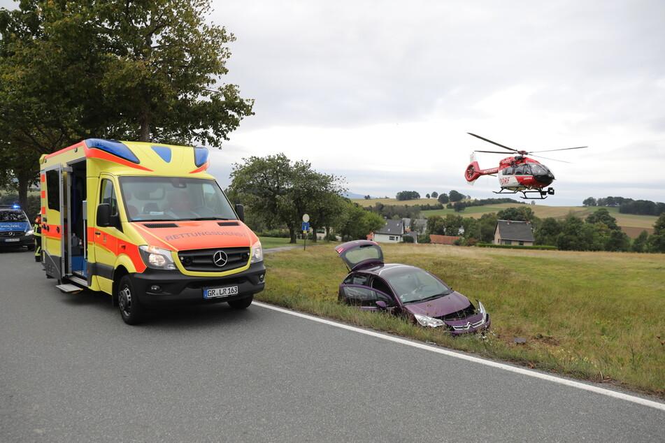 Der Rettungshubschrauber brachte die Frau in eine Klinik.