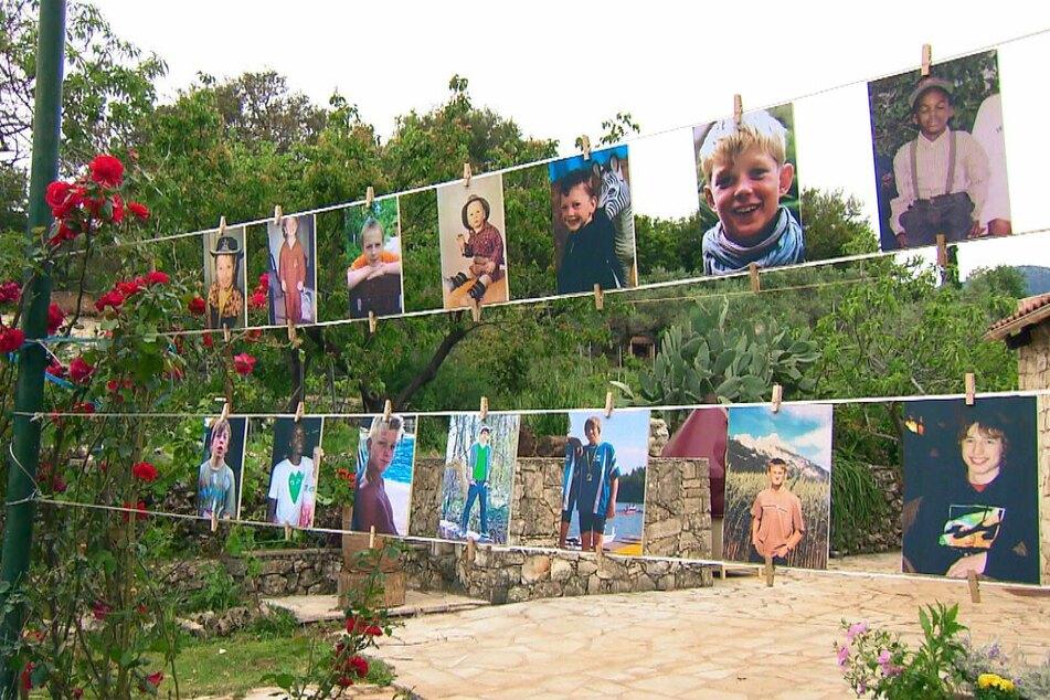 Beim Gruppendate wurden Kinderfotos der Jungs gezeigt.