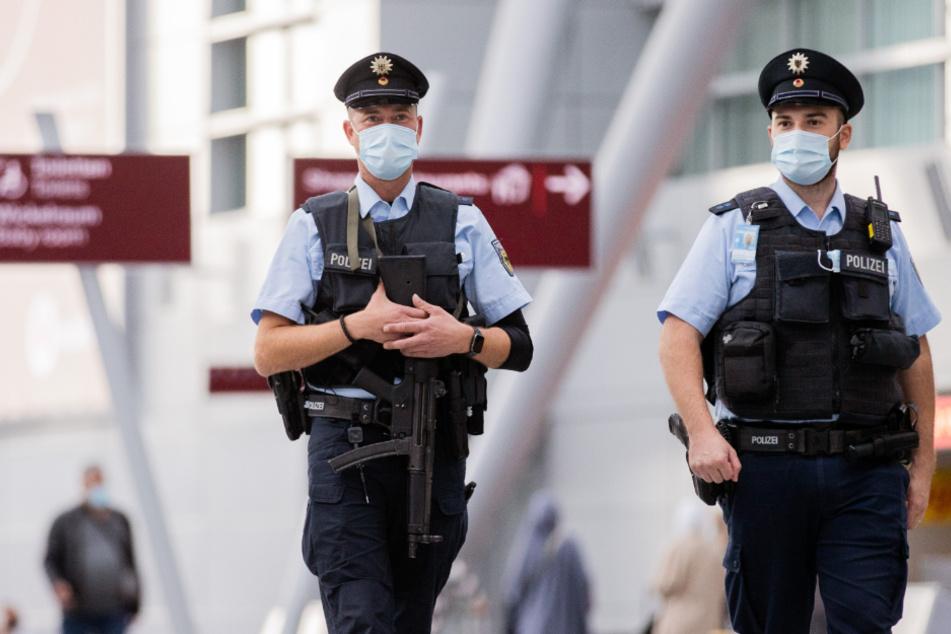 Über 370.000 Euro erbeutet: Mann nach jahrelanger Suche in Düsseldorf festgenommen
