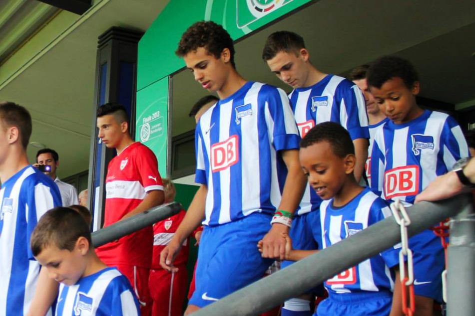 Mehr als sieben Jahre her: Farid Abderrahmane (vorne-Mitte) stand mit der U17 von Hertha BSC im Finale um die Deutsche Meisterschaft, verlor gegen den VfB Stuttgart aber mit 0:1.