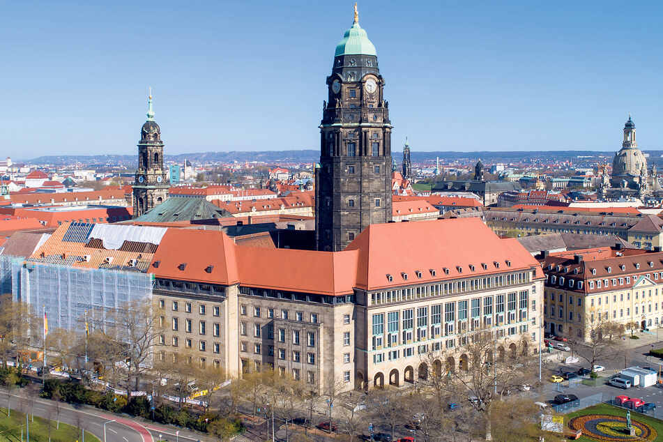 Was im Rathaus entschieden wird, betrifft alle Dresdner. Deshalb müssen die auch verstehen, wovon gesprochen wird.