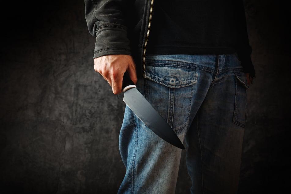Chemnitz: Mann (27) in Chemnitz mit Messer bedroht und ausgeraubt!