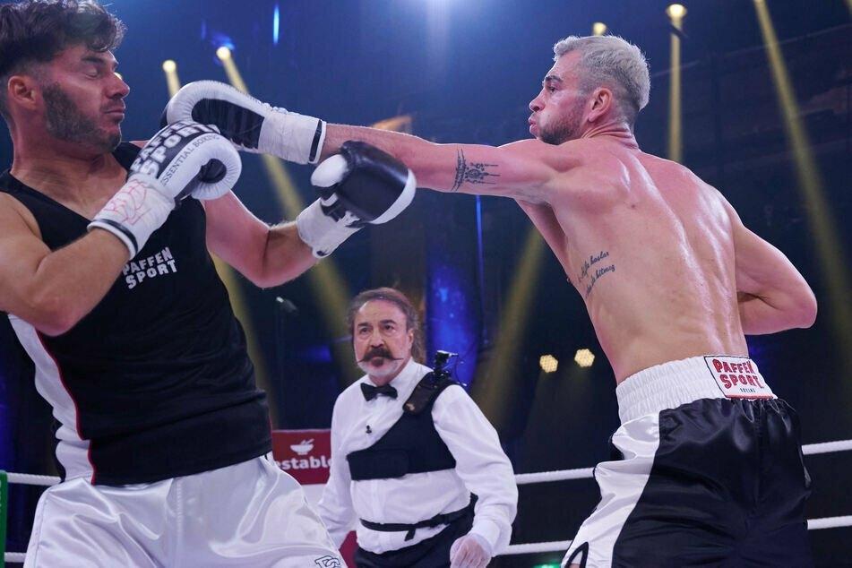 Statt Rafi Rachek (30) stieg sein Freund Sam Dylan (29, l.) gegen Serkan Yavuz (27, r.) in den Ring.