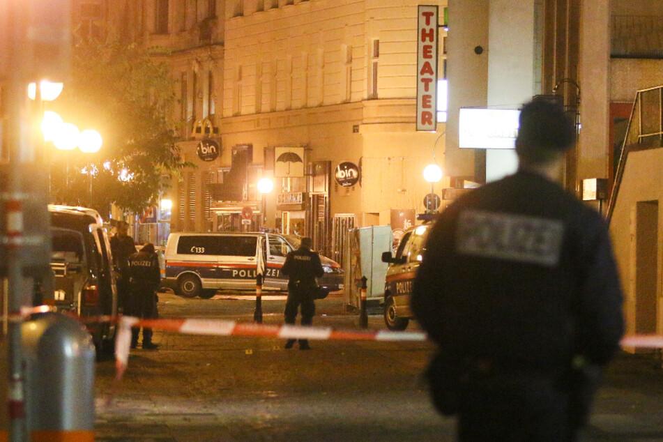 Vier Passanten bei Terror-Attacke erschossen: 1000 Beamte in Wien im Einsatz