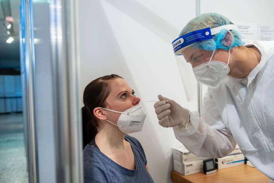 In Sachsen wurden am Donnerstag 126 Neuinfektionen und zwei Todesfälle im Zusammenhang mit Corona gezählt.