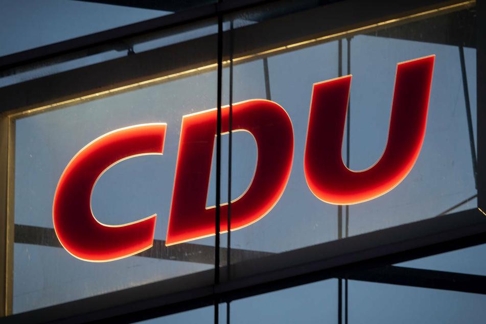 Das Hochwasser in Nordrhein-Westfalen hat in Rheinbach einen Stromausfall verursacht, der auch das Internet und den E-Mail-Verkehr der Bundes-CDU beeinträchtigt, da dort die Server angesiedelt sind. (Symbolfoto)