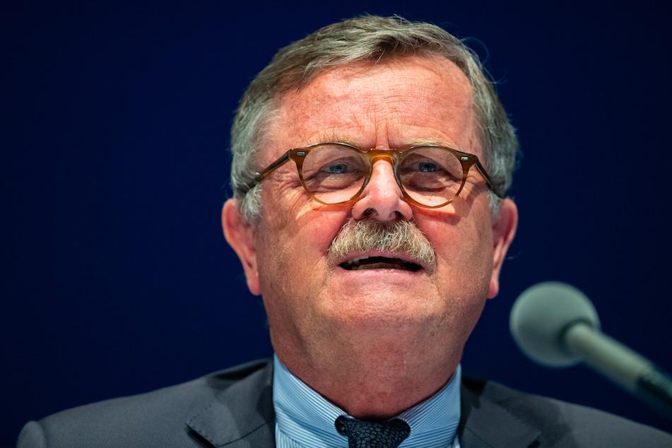 Die Kritik von Weltärztepräsident Frank Ulrich Montgomery stößt auf Unverständnis.