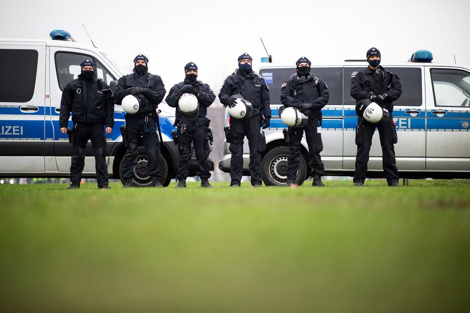 Die NRW-Polizei zieht starke Kräfte für die heutige Düsseldorfer Demo gegen das geplante Versammlungsgesetz zusammen.
