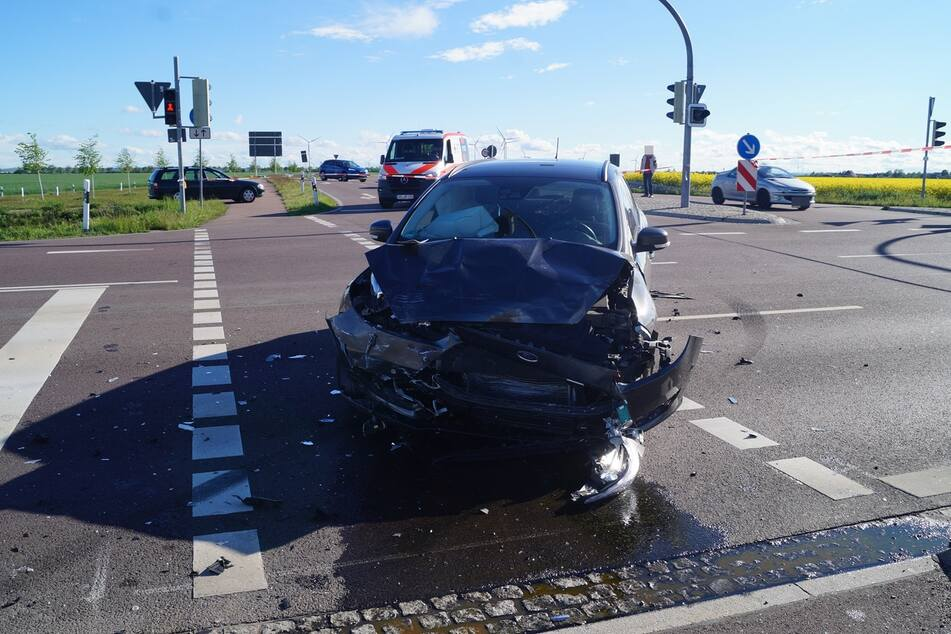 Der Ford-Fahrer (53) konnte eine Kollision trotz Vollbremsung nicht verhindern.