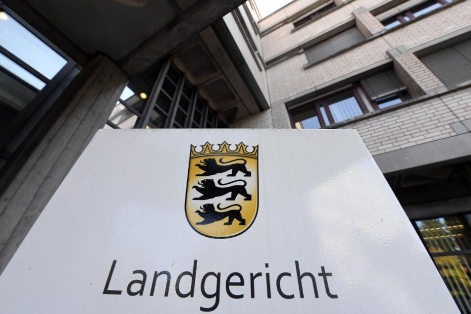 Der Prozess findet vor dem Landgericht Baden-Baden statt.