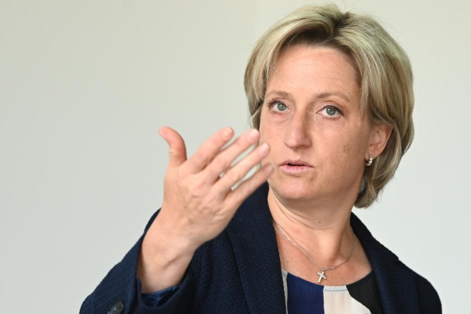 Baden-Württembergs Wirtschaftsministerin Nicole Hoffmeister-Kraut (48, CDU).