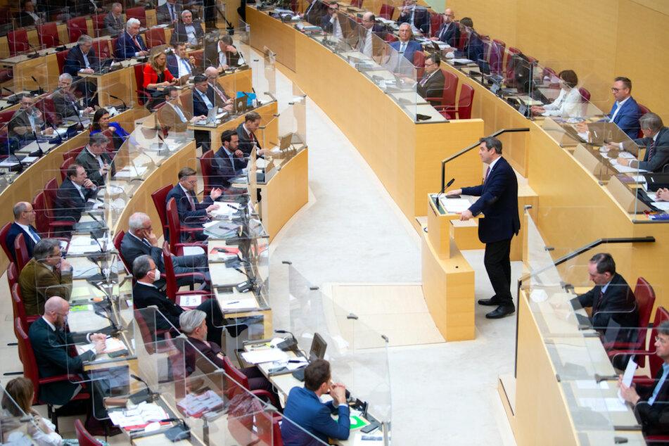 Ministerpräsident Markus Söder (54, M, CSU) spricht im bayerischen Landtag.
