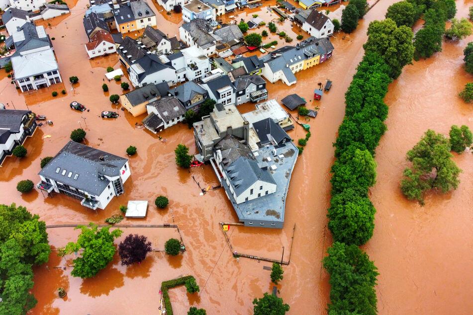 Der Ort Kordel in Rheinland-Pfalz wurde vom Hochwasser der Kyll überflutet.