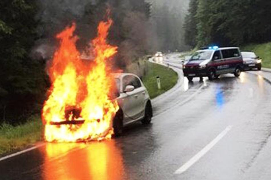 Das E-Auto brannte lichterloh.