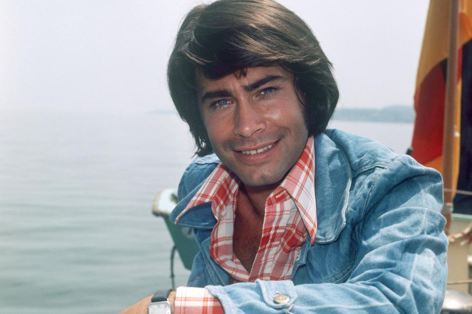 """Roy Black (†48) bei den Aufnahmen zum Film """"Alter Kahn und neue Liebe"""" 1973. (Archivbild)"""