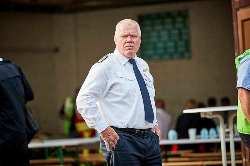 War nach Bekunden seines Sprechers bis Donnerstag nicht über die sicherheitsrelevanten Vorgänge informiert: Landespolizeipräsident Horst Kretzschmar (61).