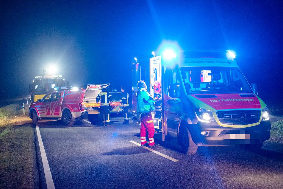 Fußgänger von Auto schwer verletzt, doch als Retter eintreffen, fehlt jede Spur von ihm