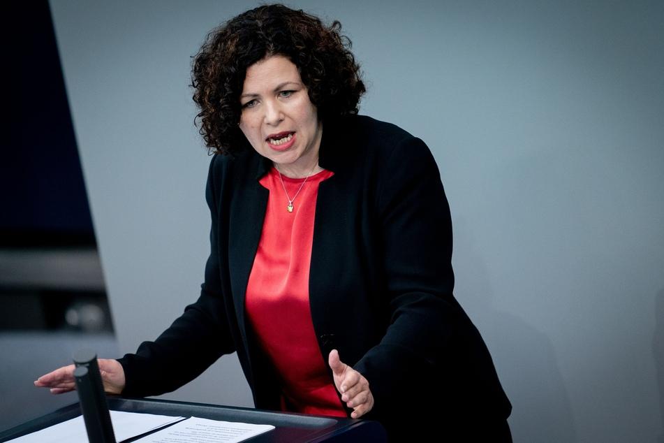 Amira Mohamed Ali, Fraktionsvorsitzende Die Linke, spricht im Bundestag.