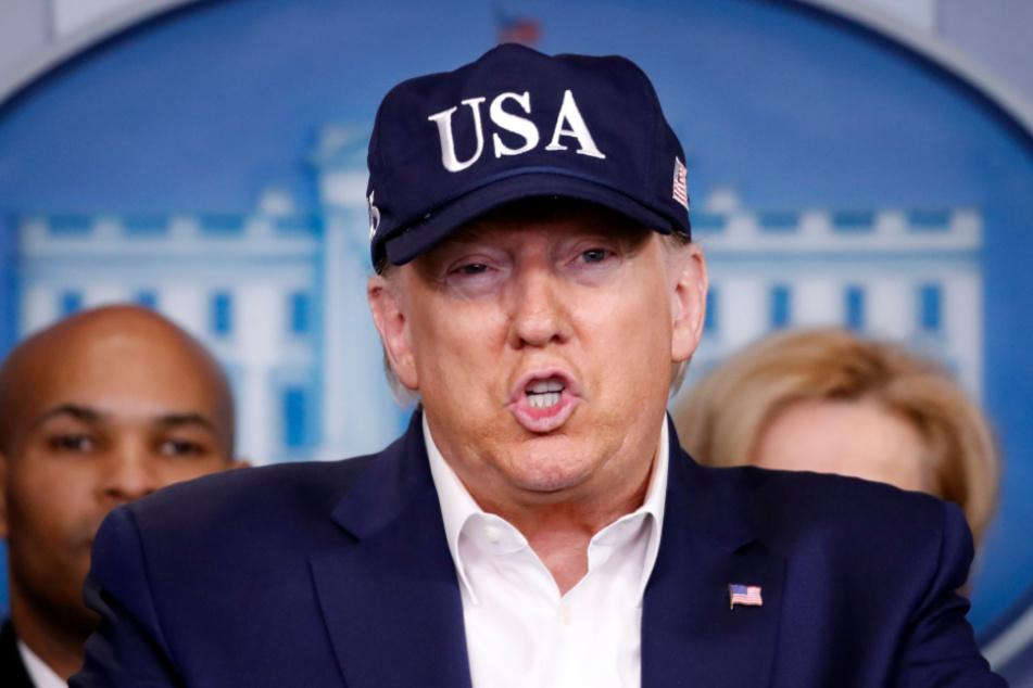 Washington: Donald Trump, Präsident der USA, spricht während einer Pressekonferenz über das Coronavirus.