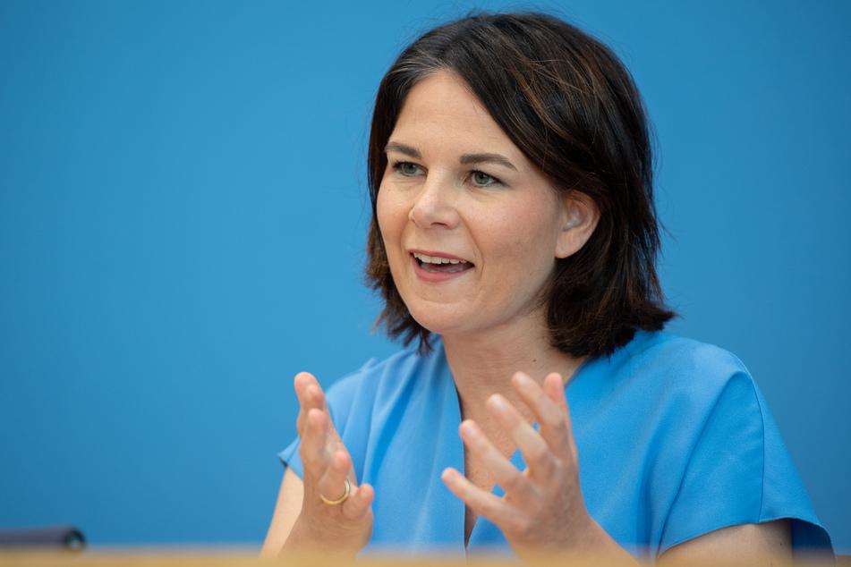 Grünen-Kanzlerkandidatin Annalena Baerbock (40) möchte erst jedem ein Impfangebot machen, bevor weiter diskutiert wird.