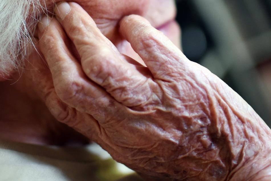 Das 88-jährige Opfer litt ebenfalls an Demenz. (Symbolbild)