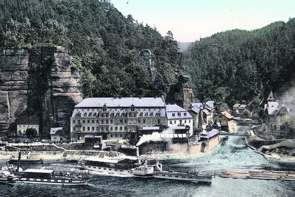 """Die Dampfer """"Hohenzollern"""" und """"Stadt Wehlen"""" um 1905 im heutigen Hrensko."""