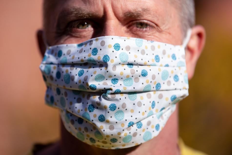 Nicht nur medizinisches Personal ist auf den Mundschutz angewiesen.