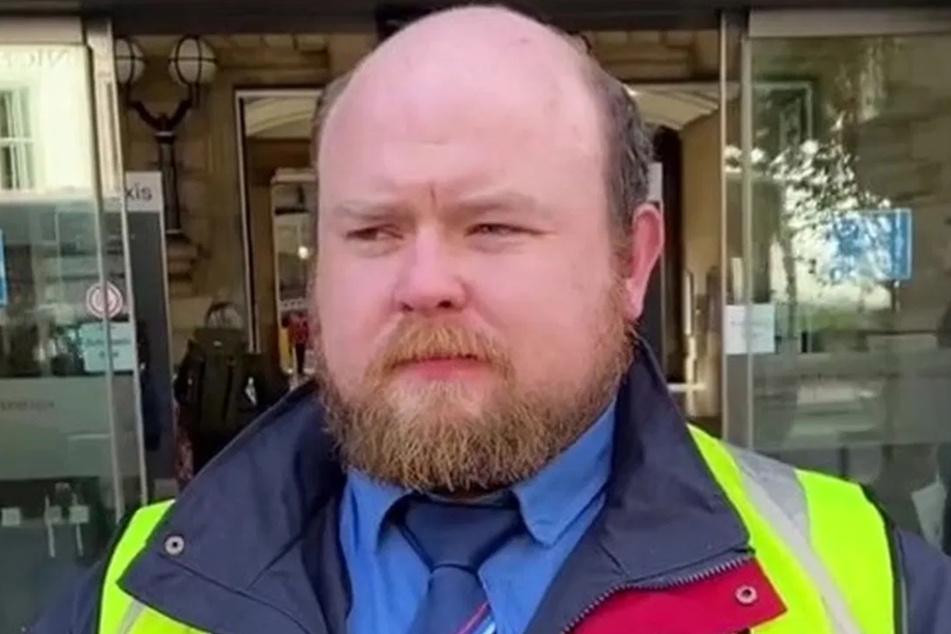 Seit seinem 19. Lebensjahr fallen Adam Sinclair (29) die Haare aus.