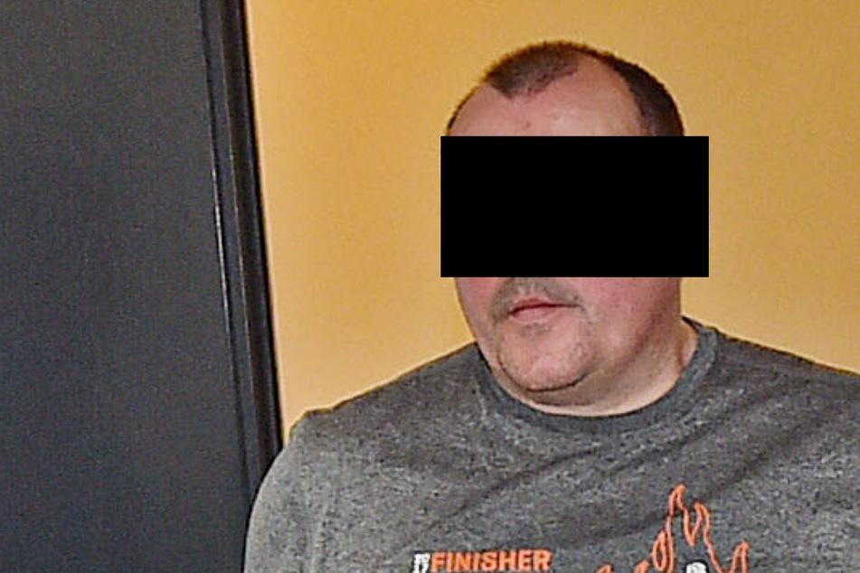 Weil sein Telefon bei einem Streit kaputt ging: Handelspacker folterte seine Freundin
